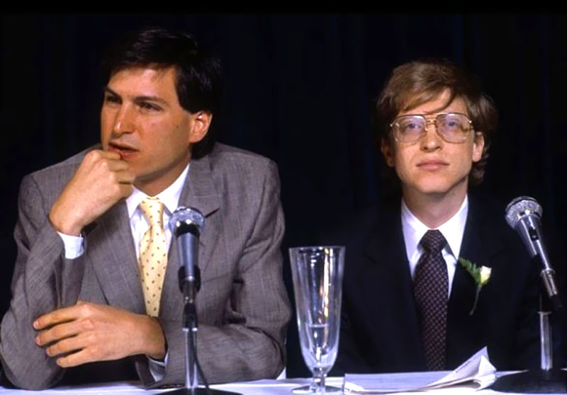 Steve-Jobs-and-Bill-Gates (1)